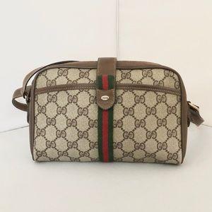 Gucci Vintage GG Supreme Shoulder Bag